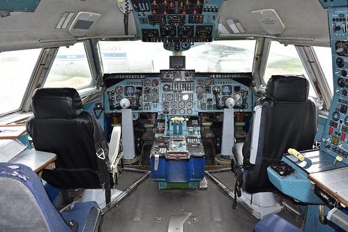 Cockpit of Ilyusihn Il-86 'RA-86103'