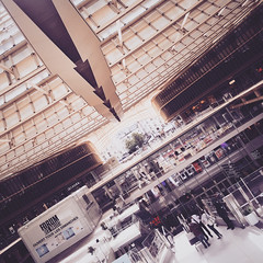 Spaceport (Olly Denton) Tags: arrow arrows lines perspective shopping shop mall security centre roof architecture architectureporn architecturelovers architecturephotography architecturalphotography iphone iphone6 6 vsco vscocam vscoparis vscofrance ios apple mac shotoniphone forumleshalles leshalles paris iledefrance france