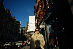 Knightsbridge (bigboysdad) Tags: fuji fujinon fujifilm fuji16mmf14 knightsbridge london street xe3