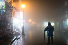 Sapa (monsieur ours) Tags: vietnam sapa city ville nuit night fog brouillard couleur color pluie rain