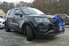 Bethel Park Police Department (Emergency_Spotter) Tags: ford fleet police interceptor utility bethel park pa pennsylvania keystone corner lamps steelies chrome blacked out black gray ribbon bow thin blue line officer brian shaw down pittsburgh cop cops suv federal signal valor fedsig awd emergencyspotter plastic