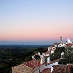 Monsaraz, Alentejo, Portugal (pom.angers) Tags: europeanunion portugal alentejo alentejocentral évora monsaraz reguengosdemonsaraz november 2006 canondigitalixus500 twilight 100 200 300