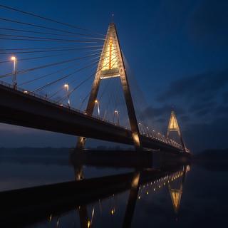 Megyeri bridge at dusk