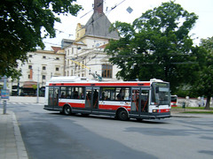 Brno trolleybus No. 3056, ex Hradec Kralove 47. (johnzebedee) Tags: trolleybus transport publictransport vehicle brno czechrepublic johnzebedee skoda skoda21tr
