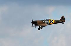 Spitfire - Finals (Bernie Condon) Tags: vickers supermarine spitfire warplane fighter raf royalairforce fightercommand ww2 battleofbritian military preserved vintage aircraft plane flying aviation