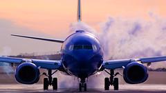 Southwest Airlines Boeing 737-8H4(WL) N8541W (Vivek Kaul) Tags: southwest boeing 737800 n8541w deicing winterops dawn nikond50 nikon vivekkaul airside airplane airport aircraft planespotting aviationphotography avgeek aviation luv