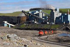 Loading at Luscar (Moffat Road) Tags: canadiannational cn 769 coaltrain loader mine coalprocessingplant cadomin alberta canada luscar luscarmine teck cardinalriveroperation luscarindustrialspur loadout coalmine ab