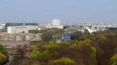 Berlín_0318 (Joanbrebo) Tags: berlin alemania de tiergarten canoneos80d eosd efs1855mmf3556isstm autofocus park parque parc cityscape arbol arles tree