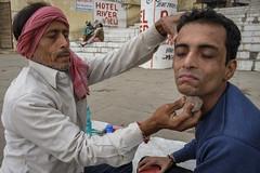 Salon (SaumalyaGhosh.com) Tags: salon people ghat benaras varanasi india color street streetphotography face barber