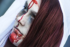 Zombie walk 2017 (vinnie saxon) Tags: nikoniste colors scary people portrait montreal event zombie girl