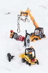 Recovery of UFO (digiphill) Tags: fun lego snow starwars smallfigures