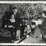 Archiv FaMUC241 Münchner Familie, Besuch zu Weihnachten, 1930er thumbnail