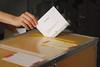 Val 2018 Valurna (Kristianstads kommun) Tags: bridgepreferenceslabelgreenapproved val riksdagsval kommunfullmäktige regionfullmäktige rösta röstning valurna urna valkuvert kuvert hand