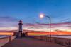 North Pier Light (karindebruin) Tags: america usa duluth canalpark lake lakesuperior meer minnesota zonsopkomst sunrise water clouds wolken kleuren colors lighthouse vuurtoren