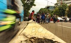 Antara busway dan demonstran (keren_boy_ii) Tags: streetphotography jakarta demonstration indonesia onlinetaxi ministryoftransportation photojournalism journalism jurnalisme jurnalistik foto photo protest busway orang demonstran motion moving bergerak news berita kabar nouvelles bogor jawabarat jawa barat westjava west java javadelouest de louest