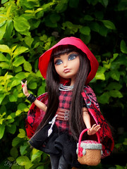 Cerise Hood - Ever After High (♪Bell♫) Tags: ever after high cerise hood red riding