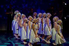 Marylin sans jambes (mifranc91) Tags: concert coulisses d700 lumières nikon scène spectacle troupe zicos