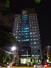 KPP Jakbar malam (That's not the way Debbigail depicted (using album) Tags: jakarta building gedung architecture arsitektur office kantor