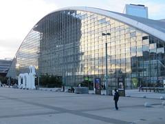 La Défense - París (Pablo C.M    BANCOIMAGENES.CL) Tags: france francia paris city urban ladefense