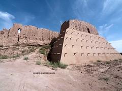 Approach to Qizil Qala Ruins in Khorezm, Uzbekistan (deemixx) Tags: uzbekistan centralasia khorezm kyzylkumdesert desert fort fortress ruined ruins qizilqala