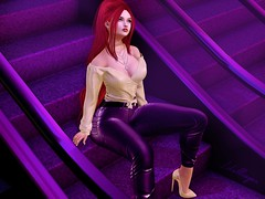 - LOTD #318 - ...we pass each other on the stairs... ♫ (http://www.itdollz.com) Tags: olive hair etoile event supernatural super natural tres chic venue avenue new regime n21 essenz mesh india limit8 l8 foxcity kustom k9