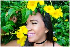 Green is the color (Esaú Alberto Canto Novelo) Tags: flowers yellow green smile portrait outdoors