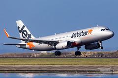VH-VFN JQ A320 34R YSSY-0295 (A u s s i e P o m m) Tags: jetstar jetstaraustralia jq a320 airbus syd yssy sydneyairport