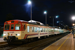 Cercanías en Murcia (lagunadani) Tags: ferrocarril trenes 592 cercanias renfe tren nocturna murcia estacion man train sonya7