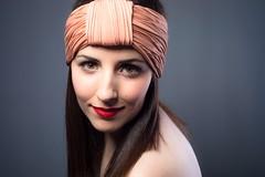 Aneu (Dani_vr) Tags: woman face retratos ojos tocado cantante