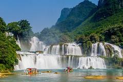 Největší vietnamský vodopád Ban Gioc (zcesty) Tags: řeka vodopád vietnam20 skála loď krajina domorodci vietnam bangioc dosvěta chongzuo caobằng cn