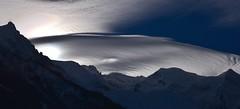 OVNI au Mont Blanc - UFO over Mont Blanc (CHAM BT) Tags: nuage soleil vent soucoupe assiette oval parapluie neige montagne montblanc cloud sun shadow wind saucer umbrella snow mountain