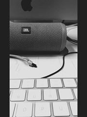 Flip3 (shortscale) Tags: jbl flip3 bluetooth speaker apple imac tastatur