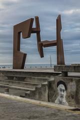 Construcción vacía (cruzjimnezgmez) Tags: construcciónvacía orilla costa mar nubes sansebastian paseonuevo hierro cielo donosti escultura