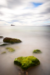 Green & Water (jaume vaello) Tags: nikon nikond7200 leefilters leend09 haidafilters haida4000x manfroto mar marinas playasdealicante playasdebenidorm rocas rocks verde green longexposure largaexposición alicante jaumevaello