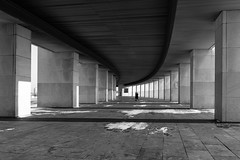 Parallels (gubanov77) Tags: parkpobedy moscow russia паркпобеды поклоннаягора parallels symmetry blackandwhite bw buildings colonnades columns design monochrome monument museum poklonnayahill city street cityscape streetscape victorymuseum