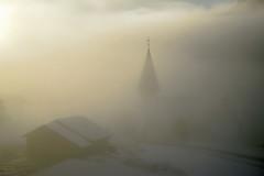 Rêve fugace (Valentin le luron) Tags: 20180116 nikon 800 e paysage nature neige brume brouillard saanen berne suisse église chalet contrejour yves paudex lausanne