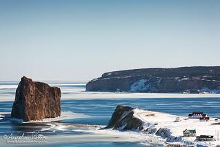 Percé, le rocher percé, le cap Mont Joli et l'île bonaventure