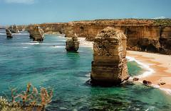 12-Apostles-Australia (johnfranky_t) Tags: nikon fe australia 12apostoli 12apostles oceano mar di tasman stato vittoria victoria johnfranky t