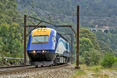 WT28 XP2018 XP2009 Bottom Points 270118-1 (Tom Marschall) Tags: train nsw sydney australia blue mountains weekend xpt trainlink railway