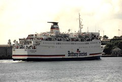 1994 07 00 BF Duchess Anne arriving Cork (2) (pghcork) Tags: brittanyferries ferry ferries corkharbour cork duchessanne carferry 1994 cobh ringaskiddy