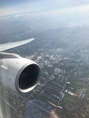 Descent into BKK (Khunpaul3) Tags: thai airways b777200er hstjt tg621 aircraft aeroplane airplane aviation boeing royal silk class avgeek decsent seat engine window