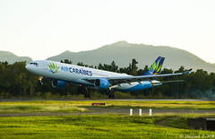 Le p'ti rebond ! (Maxime C-M ✈) Tags: beacon airplane golden grass trees sky mount fly travel martinique caribbean smoke island beautiful colors exotic paris tropical afternoon