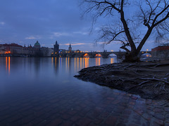 receding night (Sergey S Ponomarev) Tags: 2018 canon sergeysponomarev eos 70d winter inverno landscape paysage paesaggio city citta prague europe travel tourism hdr highdynamicrange vltava bridge karlsbridge morning twilight sunrise clouds efs efs1018mmf4556isstm сергейпономарев город пейзаж прага европа утро рассвет сумерки мост река влтава 3x4 bluehour