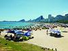 Leme (Janos Graber) Tags: praia leme riodejaneiro pessoas mar