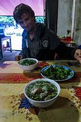Mísa nudlopolévky zahřeje (zcesty) Tags: vietnam20 restaurace jídlo vietnam caobang dosvěta tpcaobằng caobằng vn