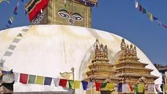 Les temples bouddhistes de Swayambhunath et de Bodnath à Katmandou