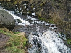 Icey cold water cascadeing down grindsbrook clough. (mikeupton433) Tags: thepeakdistrict jacobsladder thewoolpacks grindsbrookclough edale theramblersinn january2018 backinthehills countryside winter hillmistandfog