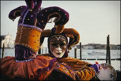 _SG_2018_02_9002_IMG_5402 (_SG_) Tags: italien italy venedig venice fasnacht carnival 2018 fastnacht2018 carnival2018 venedigfasnacht venedigfasnacht2018 venicecarnival venicecarnival2018 markusplatz maske mask kostüme suit costume san giorgio maggiore sangiorgiomaggiore gondeln gondel gondola piazza marco piazzasanmarco carnivalofvenice carnicalmask