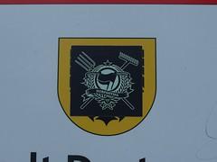 Contre La Tristesse! (mkorsakov) Tags: dortmund city innenstadt unionviertel dortmunderu parkplatz parkingspot schild sign sticker aufkleber antifa dorf