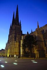 la cathédrale Saint André au petit jour (lignesbois) Tags: france nouvelleaquitaine gironde bordeaux cathédrale saintandré gothique urbex pentax k2000 smcpentaxdal1855f3556
